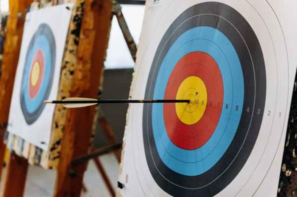 Arrow hitting the point 10